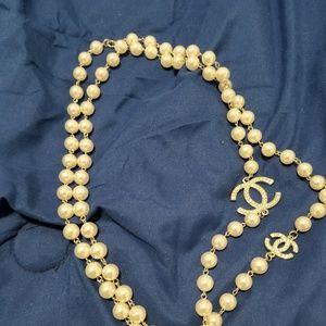 Jewelry - Pearl chain